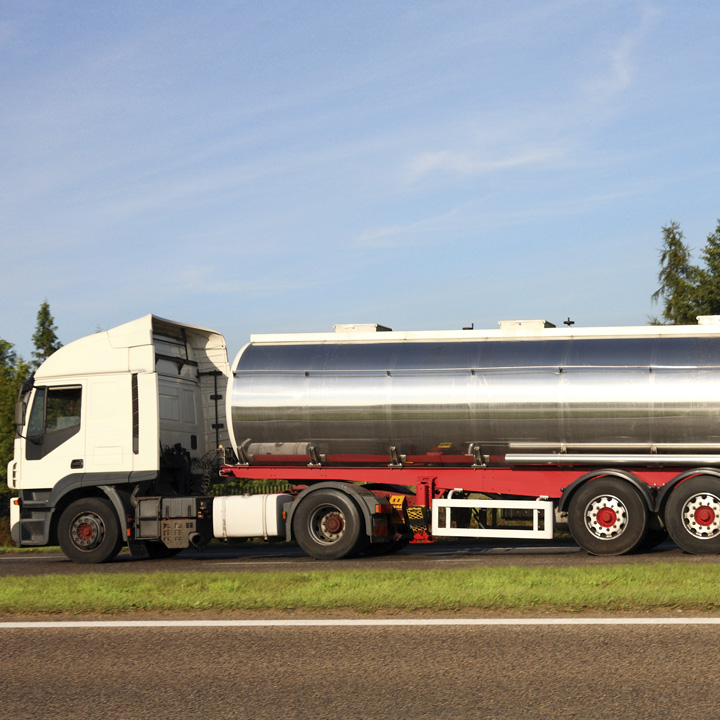 Haulage lorry tanker 720x720