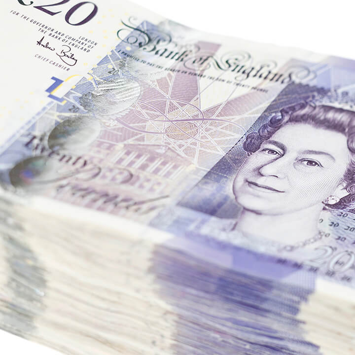 stack_of_£20_notes