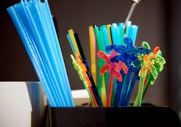 colourful_plastic_drinking_straws_and_stirrers