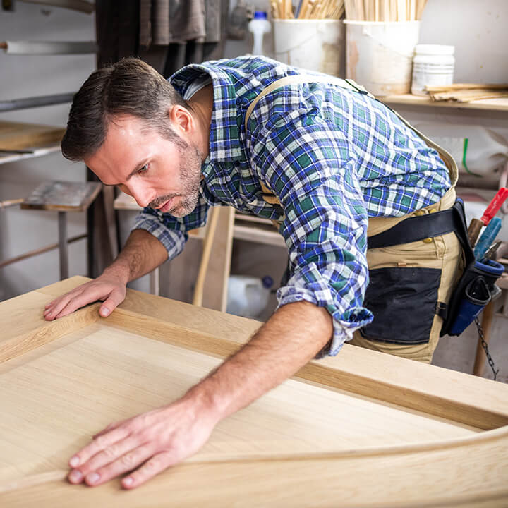 Timber_Wood_Carpenter_making_door