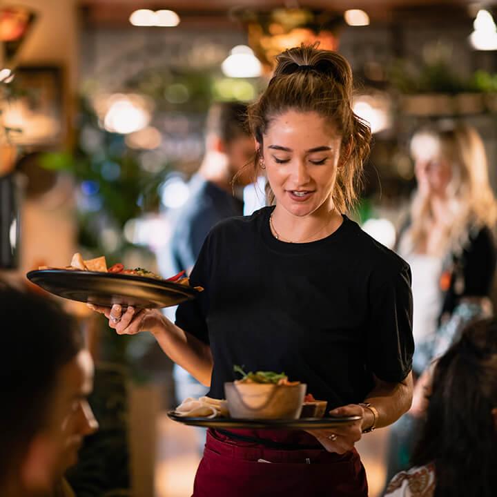 Restaurant_and_waitress