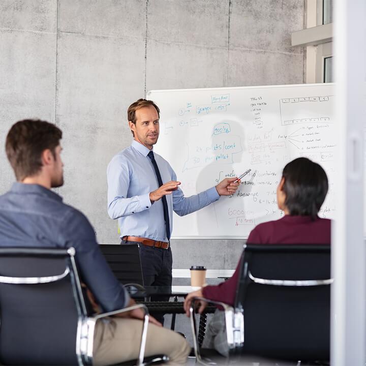 Businessman_giving_presentation