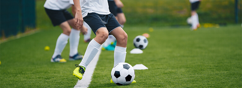 football_players_in_training