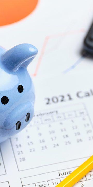 Piggy-bank-and-savings